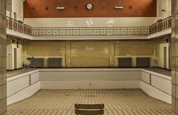 Carrelage piscine antidérapant Charente-maritime 17