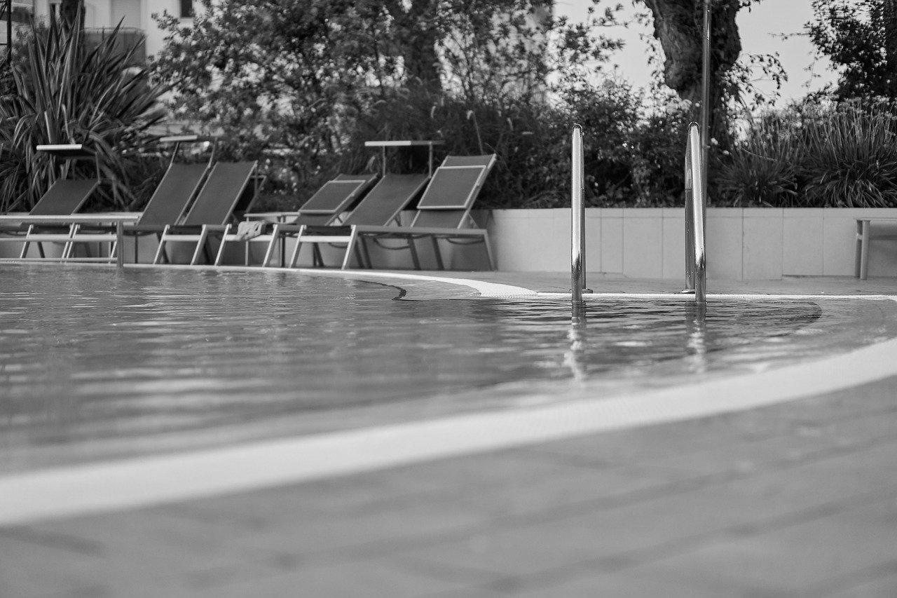 Carrelage piscine antidérapant Guyane 973