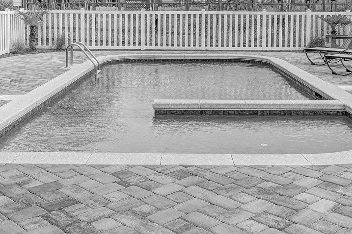 carrelage piscine antidérapant Hautes-Alpes 05