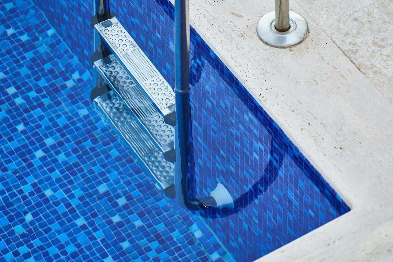 carrelage piscine antidérapant Loire 42