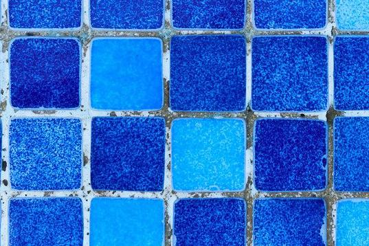 carrelage piscine antidérapant Var 83