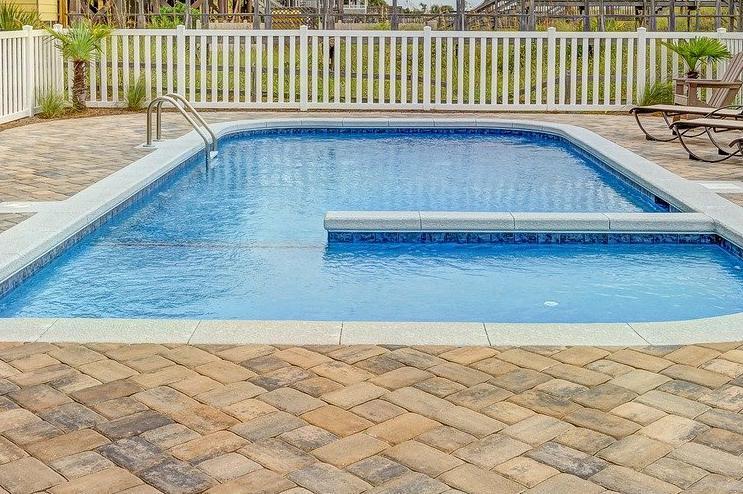 Devis Carrelage piscine antidérapant à Avon 77210