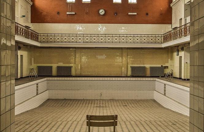 Devis Carrelage piscine antidérapant à Bressuire 79300