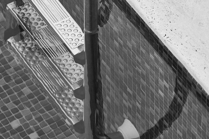 Devis Carrelage piscine antidérapant à Calais 62100