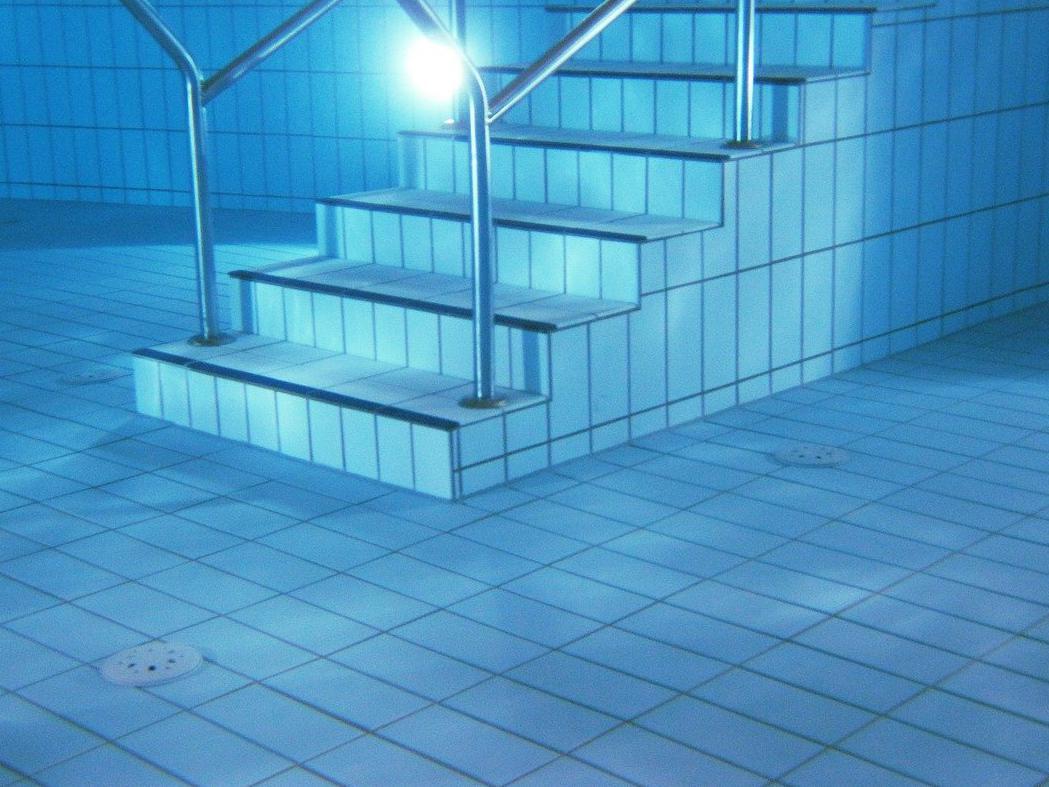Devis Carrelage piscine antidérapant à Castelnaudary 11400