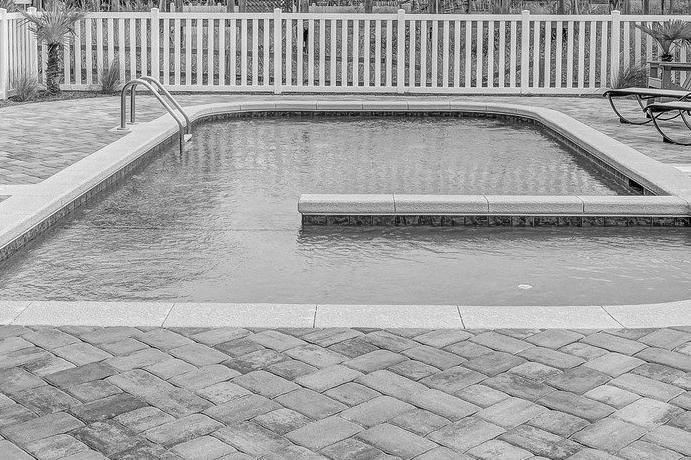 Devis Carrelage piscine antidérapant à Chassieu 69680
