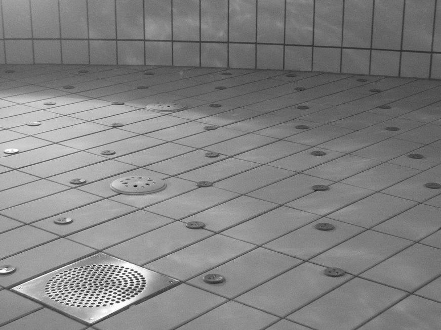 Devis Carrelage piscine antidérapant à Étampes 91150