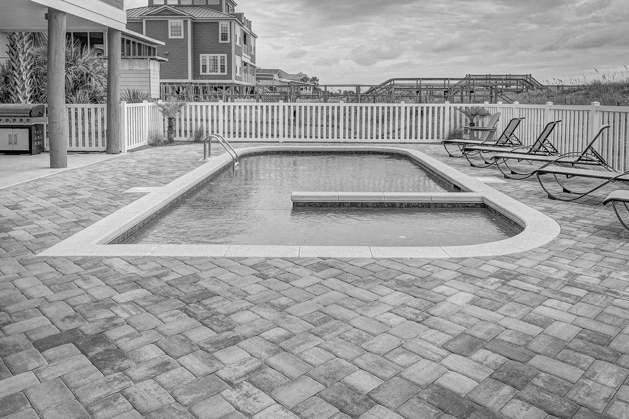 Devis Carrelage piscine antidérapant à Fontainebleau 77300
