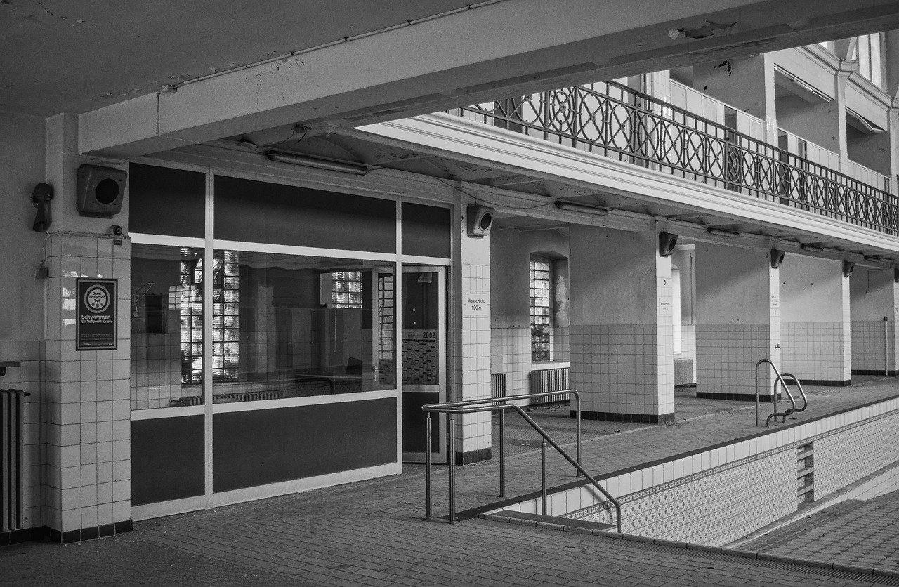 Devis Carrelage piscine antidérapant à Fréjus 83600