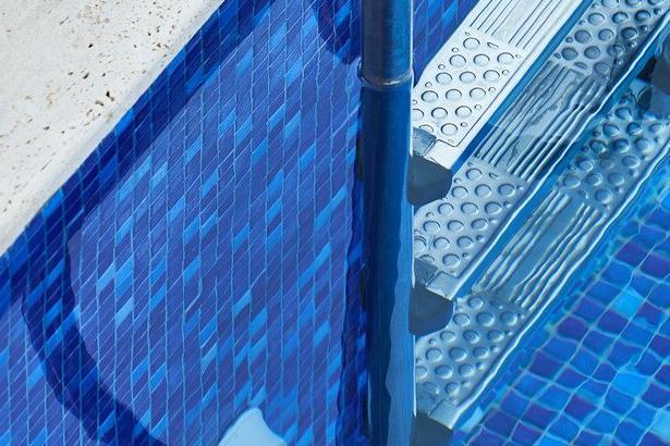 Devis Carrelage piscine antidérapant à Hem 59510