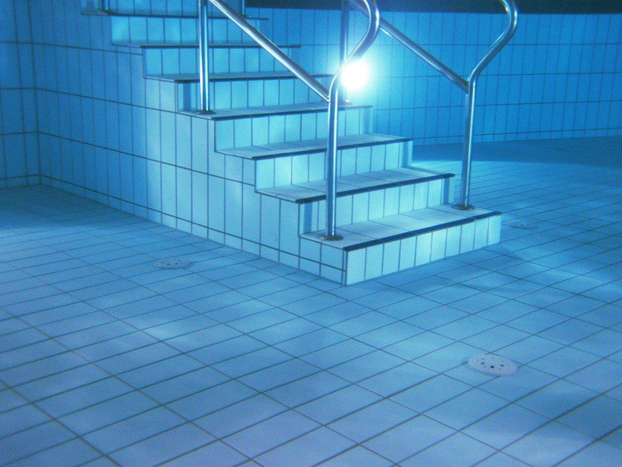 Devis Carrelage piscine antidérapant à Provins 77160