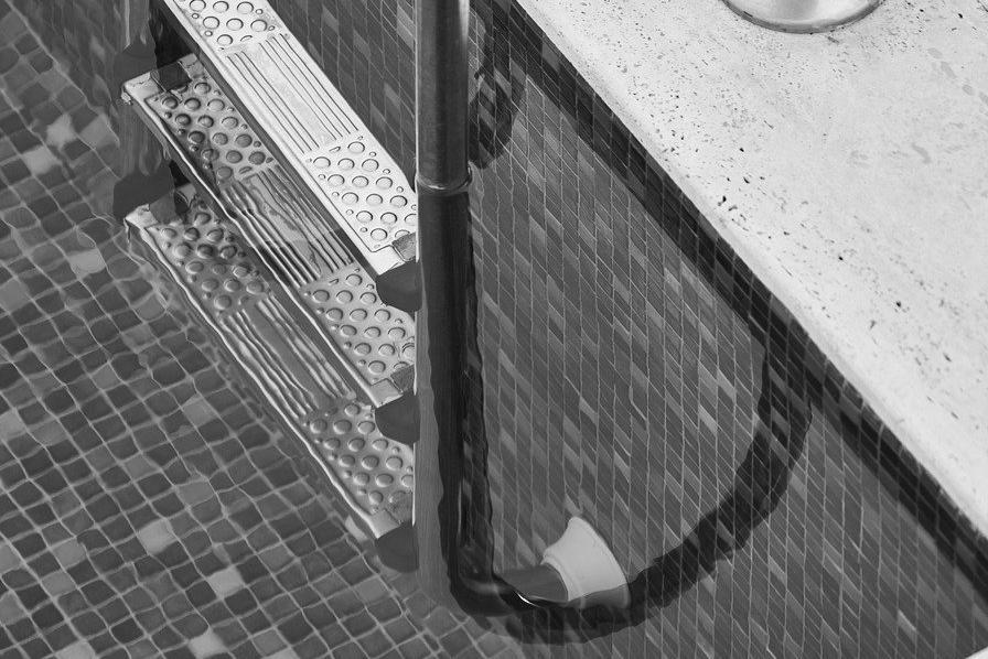 Devis Carrelage piscine antidérapant à Rivière-pilote 97211