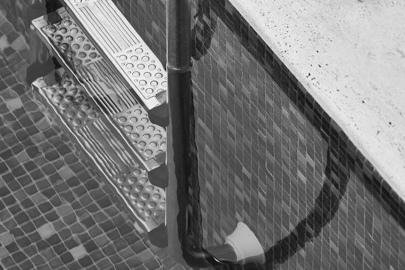 Devis Carrelage piscine antidérapant à Saint-esprit 97270