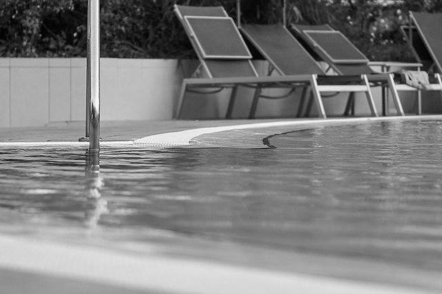Devis Carrelage piscine antidérapant à Saint-françois 97118