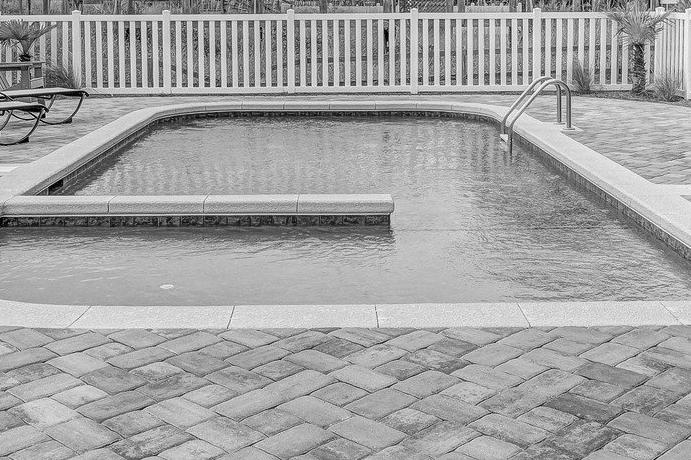 Devis Carrelage piscine antidérapant à Saint-julien-en-genevois 74160