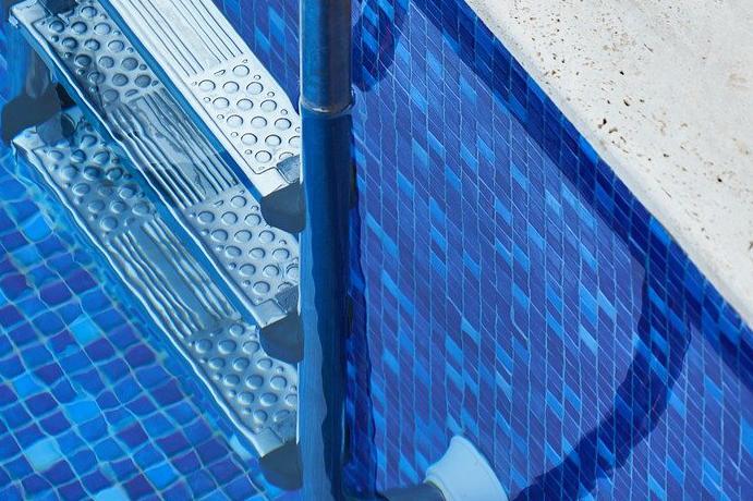Devis Carrelage piscine antidérapant à Sartrouville 78500