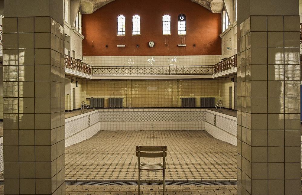 Devis Carrelage piscine antidérapant à Versailles 78000